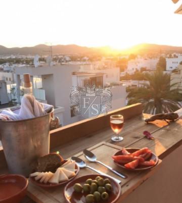 Schönes Apartment mit Dachterrasse auf Ibiza/Jesus