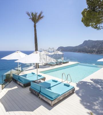Villa Nacar  -    direkt am Meer