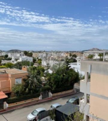 Schönes Apartment mit Dachterrasse- Blick auf Dalt Vila , das Meer, und Abends den Sonnenuntergang